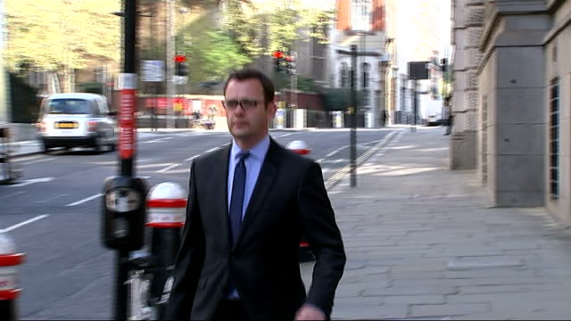 court arrivals ENGLAND London Old Bailey PHOTOGRAPHY *** Andy Coulson arriving at court / Rebekah Brooks and husband Charlie Brooks arriving together...