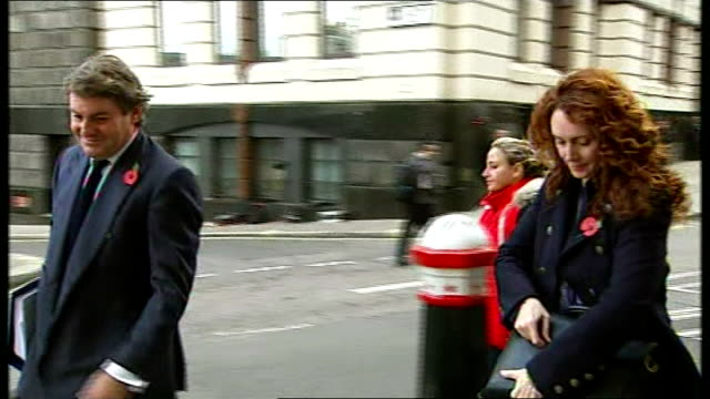 Court arrivals ENGLAND London Old Bailey PHOTOGRAPHY *** Mark Hanna arriving at court wearing poppy / Timothy Langdale QC arriving / Rebekah Brooks...