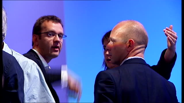 political conseqences of verdict file 2007 various shots andy coulson chatting with other advisers including steve hilton file october 2010 coulson... - andy coulson stock videos & royalty-free footage