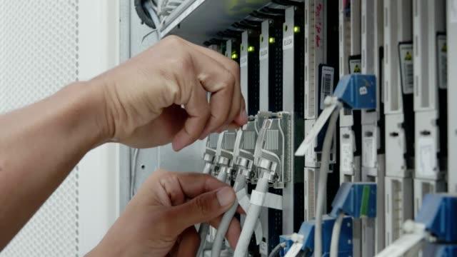 vídeos y material grabado en eventos de stock de interruptor de sistema - centralita de teléfono