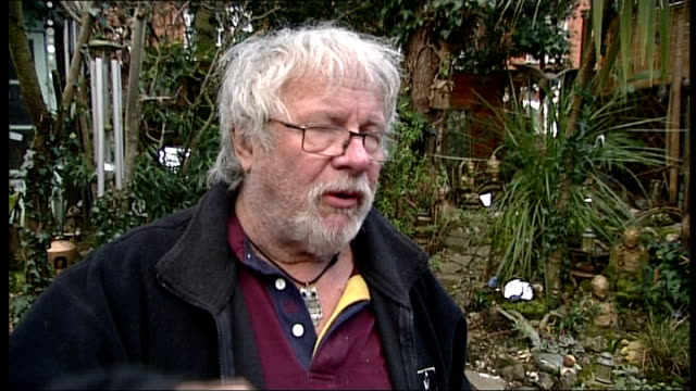 vídeos y material grabado en eventos de stock de photograph of a weasel on a woodpecker's back; london: bill oddie interview sot - weasels kill their pray by biting into the back of the neck / if i... - bill oddie