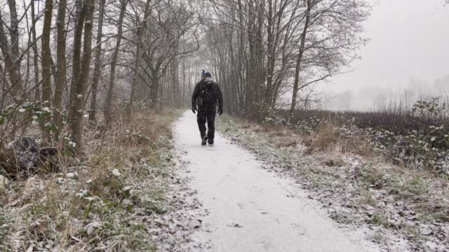 photographer brave blizzard-like conditions on january 24, 2021 in potters bar, united kingdom. parts of the country saw snow and icy conditions as... - snow stock videos & royalty-free footage
