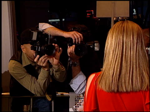 photographers at the 'freddie got fingered' premiere on april 18, 2001. - ウエストウッドヴィレッジ点の映像素材/bロール