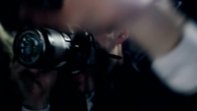 fotografen - kamera blitzlicht stock-videos und b-roll-filmmaterial
