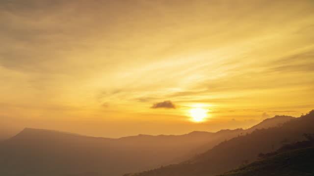 Phu Tub berk moutain at sunset Time lapse, Phetchabun Thailand