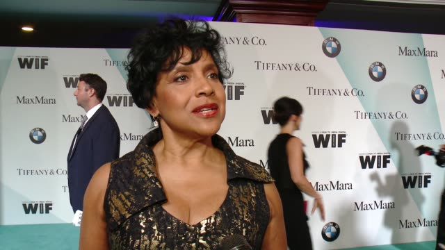 stockvideo's en b-roll-footage met interview phylicia rashad on presenting to ava tonight at women in film 2015 crystal lucy awards presented by max mara bmw of north america and... - hyatt