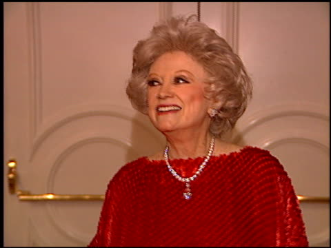 phyllis diller at the planet hope event at the beverly hilton in beverly hills, california on december 4, 1995. - フィリス ディラー点の映像素材/bロール