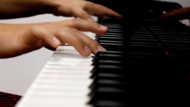 stockvideo's en b-roll-footage met piano player (hd) - menselijke vinger