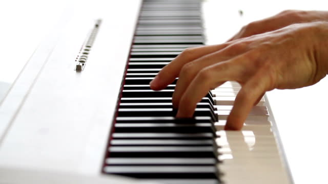 piano-spieler - pjphoto69 stock-videos und b-roll-filmmaterial