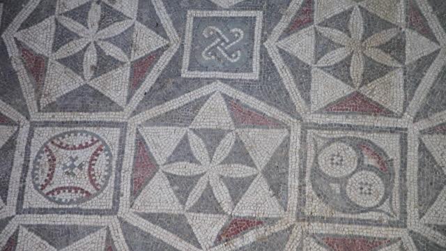 Piazza Armerina (villa Romana del Casale), room with star-shaped decorations