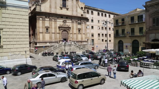 piazza bellini, view of the square, palermo, sicily. - boundary video stock e b–roll