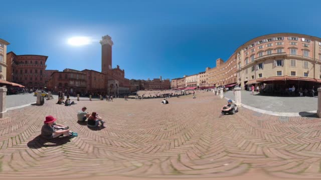 360 vr / piazza del campo, siena - torre del mangia stock videos and b-roll footage