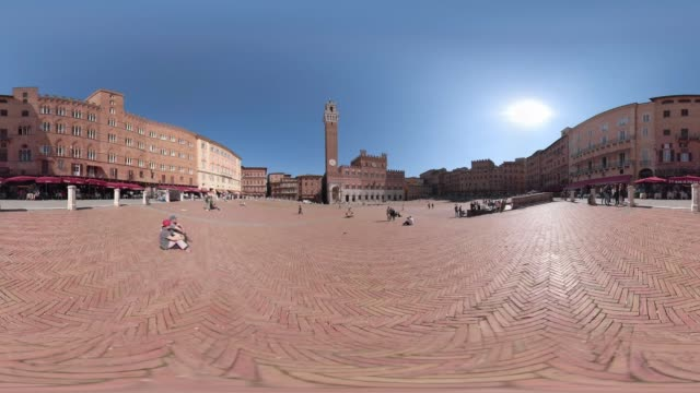 360 vr / piazza del campo, siena - palazzo pubblico stock videos and b-roll footage