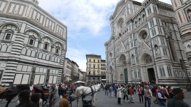 piazza del duomo, santa maria del fiore cathedral, florence, tuscany - square stock videos & royalty-free footage
