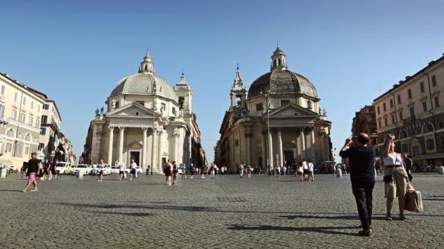 piazza del popolo in rome - besichtigung stock-videos und b-roll-filmmaterial