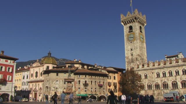 WS, Piazza Duomo with Fountain of Neptune and Torre Civica, Trento, Dolomites, Alps, Italy