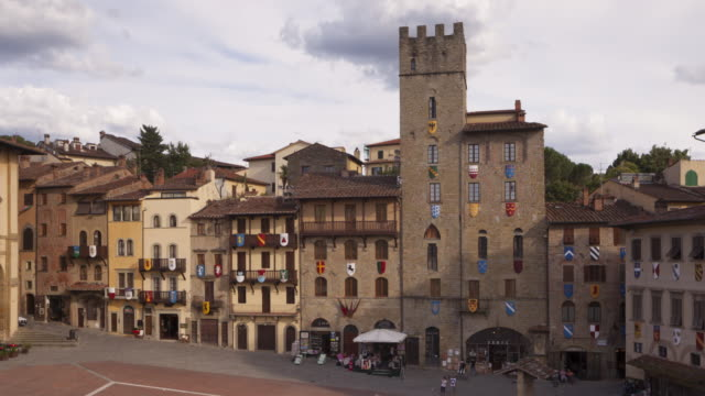 zo of piazza grande in arezzo, italy. - montepulciano stock videos & royalty-free footage
