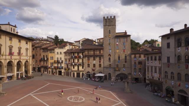 piazza grande in arezzo, italy. - montepulciano stock videos & royalty-free footage