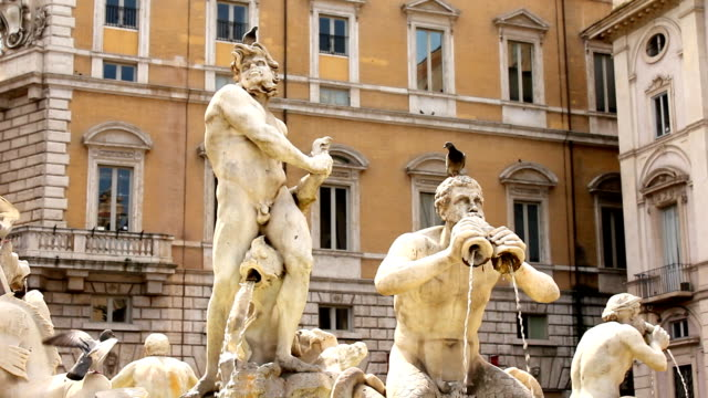 vídeos y material grabado en eventos de stock de piazza navona en roma, italia (hd - estatua