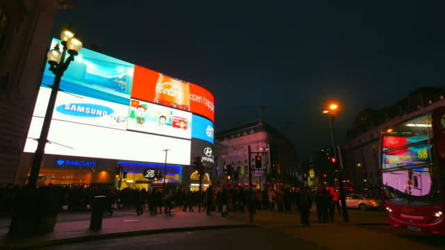 piccadilly circus at night, london, england, great britain - piccadilly circus stock videos and b-roll footage