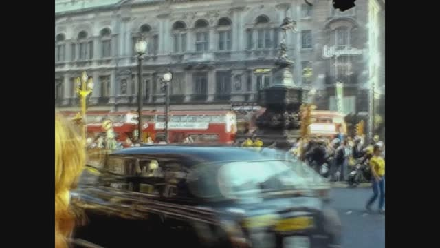 piccadilly circus in london in 70's - central london stock videos & royalty-free footage