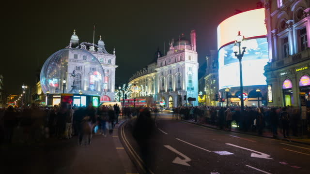 piccadilly circus, london, time lapse at night - piccadilly circus stock videos and b-roll footage