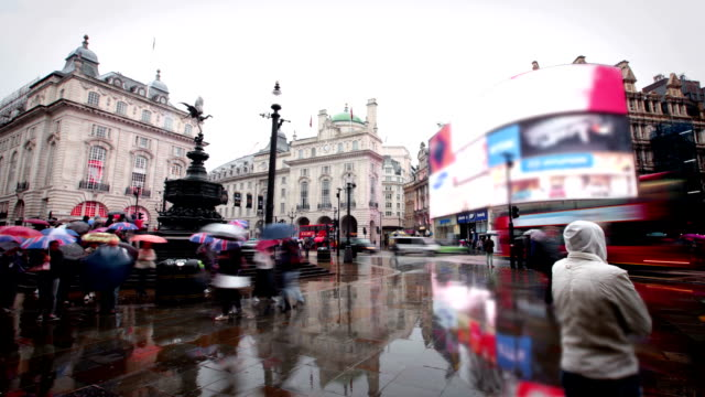 piccadilly circus, london - piccadilly circus stock videos and b-roll footage