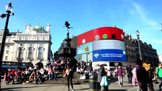 piccadilly circus oxford & regent street, london, england - piccadilly circus stock videos and b-roll footage