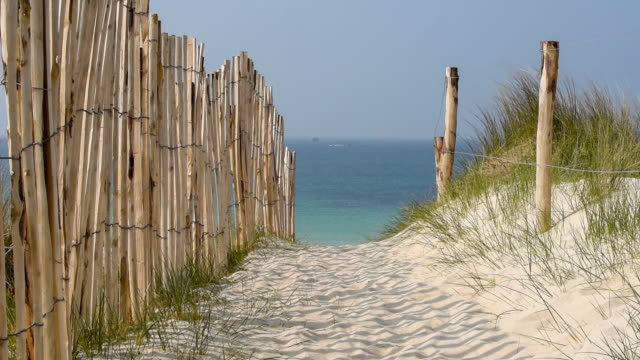 Picket Fence to the beach-Finistere