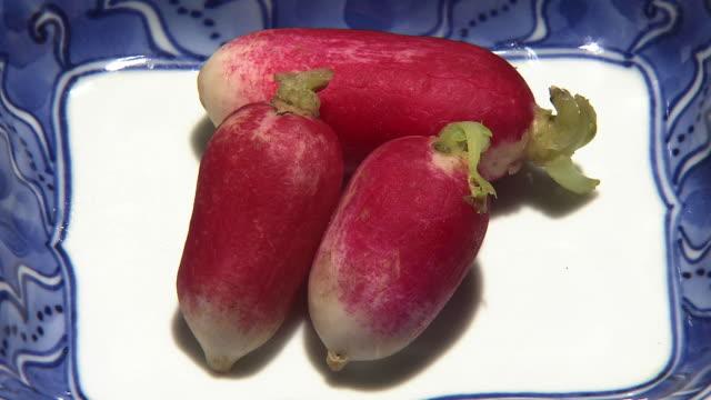 vidéos et rushes de pickled radish called hanadaikonzuke, kyoto, japan - radis