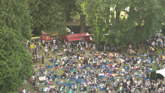 picnic with food trucks in stanley park | 4k drone - hamper stock videos & royalty-free footage
