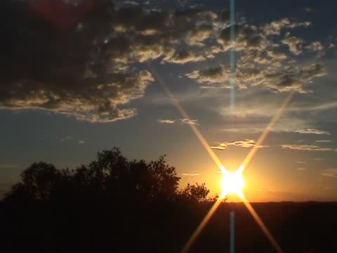 AMIGO: Pitoresca pôr-do-sol