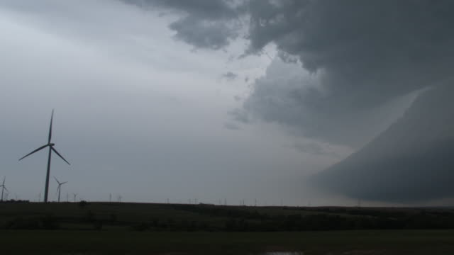 picturesque supercell thunderstorm over rural oklahoma (panoramic) - extreme weather stock videos & royalty-free footage