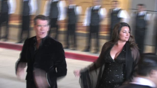 pierce brosnan and keely shaye smith at 25th film independent spirit awards at the celebrity sightings in los angeles at los angeles ca - keely shaye smith and pierce brosnan stock videos & royalty-free footage