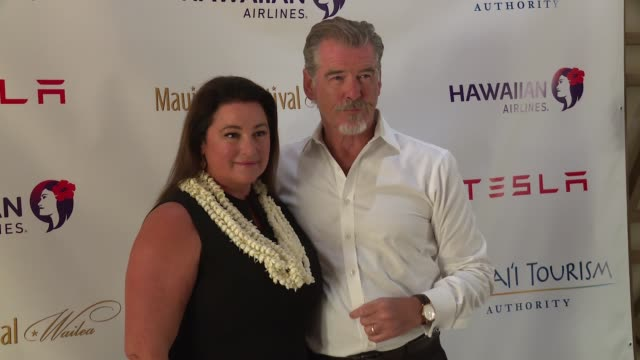 pierce brosnan and keely shaye smith on june 23 2017 in wailea hawaii - keely shaye smith and pierce brosnan stock videos & royalty-free footage