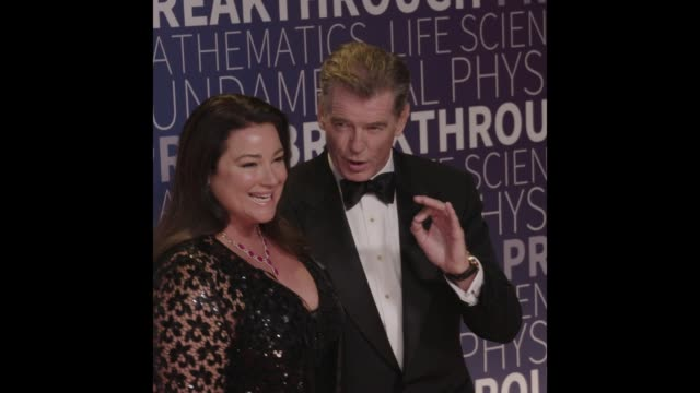 pierce brosnan keely shaye smith at the 2019 breakthrough prize - keely shaye smith and pierce brosnan stock videos & royalty-free footage