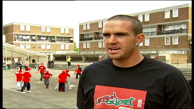 pietersen launches urban cricket campaign in peckham england london peckham ext kevin pietersen interviewed sot urban cricket is a scheme fronted by... - クリケットバット点の映像素材/bロール