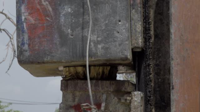 vídeos de stock, filmes e b-roll de close-up pile driver 4k - pile driver