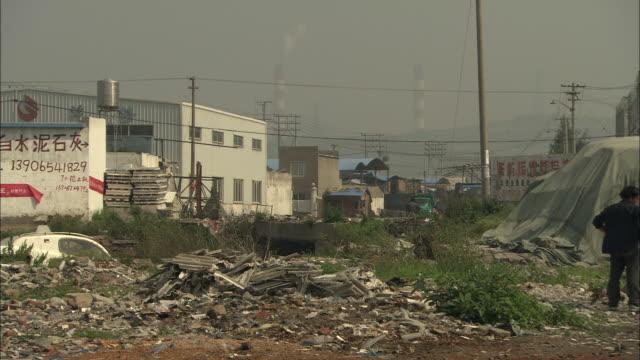 vídeos y material grabado en eventos de stock de ws pile of rubble and trash on vacant lot, yuhuan county, zhejiang, china - terrenos a construir