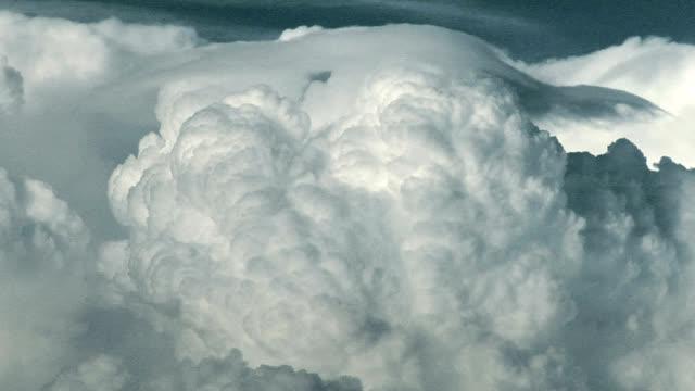 Pileus cloud, timelapse