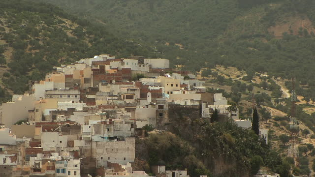 ws ha zo pilgrimage town named after moulay idriss, morocco - alm stock-videos und b-roll-filmmaterial
