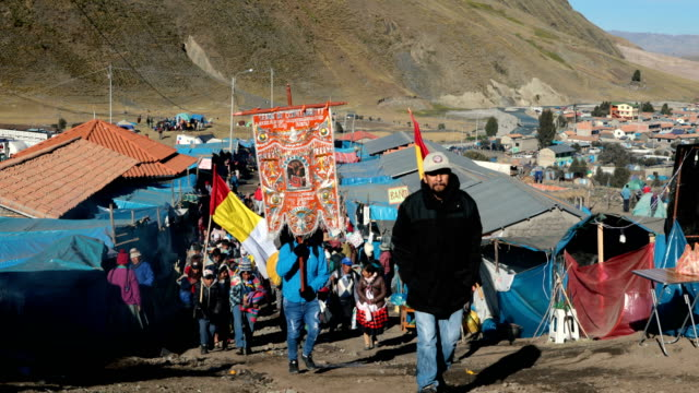 pilgrims begin to arrive for the annual qoyllur rit'i festival on may 27 2018 in ocongate peru every year since 1783 in the sinakara valley at the... - religious music stock videos and b-roll footage