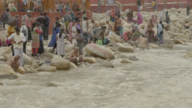w/s pilgrims in gangotri (source of the ganges river) - traditional ceremony stock videos & royalty-free footage