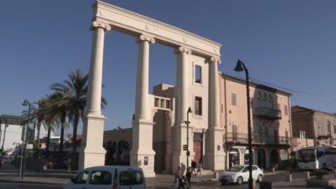 pillars to clocktower, jaffa, israel - ジャファ点の映像素材/bロール
