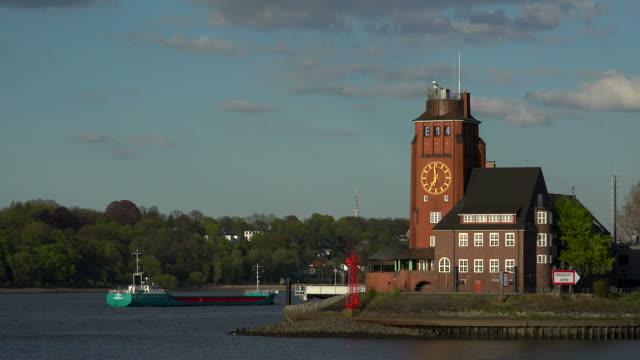 pilot station seemannshoeft, waltersdorf, elbe river, hamburg, germany - river elbe stock videos & royalty-free footage