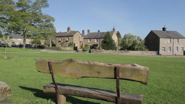 stockvideo's en b-roll-footage met pilsley village, chatsworth estate, derbyshire, england, uk, europe - derbyshire