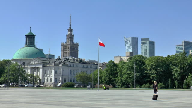 pilsudski square - warsaw, poland - warsaw stock videos & royalty-free footage