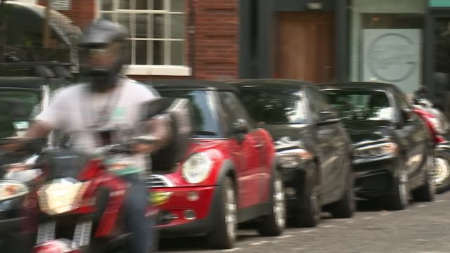 Pimlico Plumbers appeal over self employment begins at the Supreme Court T10071733 / Deliveroo scooter rider along Various ONBOARD shots of Deliveroo...