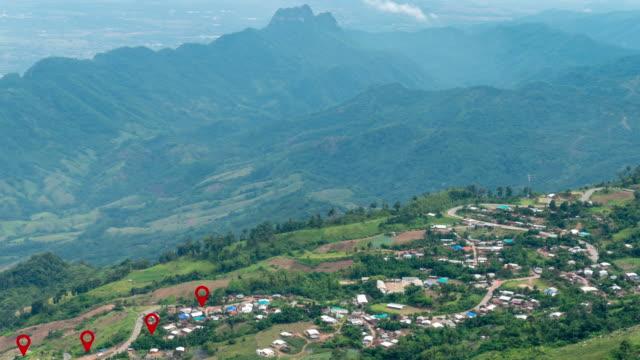 vídeos de stock, filmes e b-roll de cidade rural do pino, mapa do trajeto da montanha, tailândia do norte - map pin icon