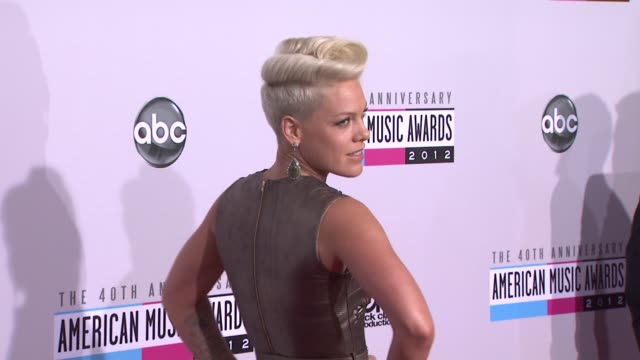 pink at the 40th american music awards - arrivals on in los angeles, ca. - 歌手 ピンク点の映像素材/bロール